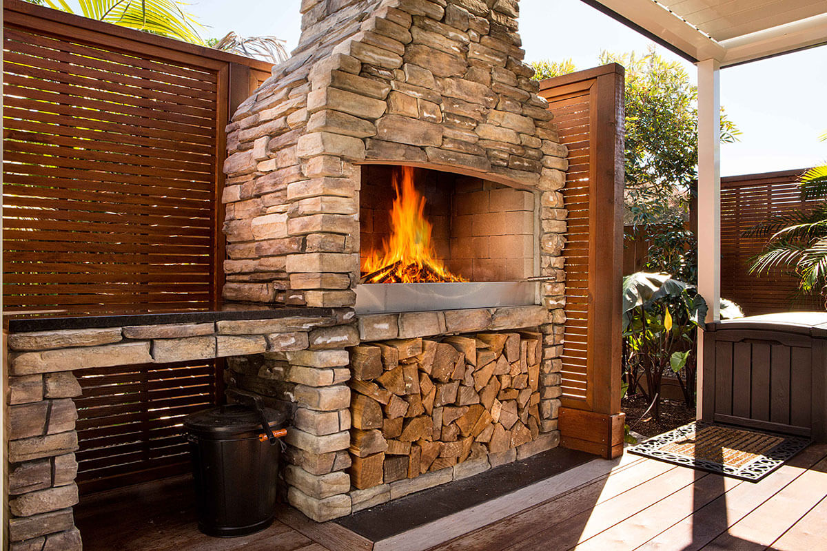 A beautiful Flare Deluxe outdoor fire to brighten up the outdoor space