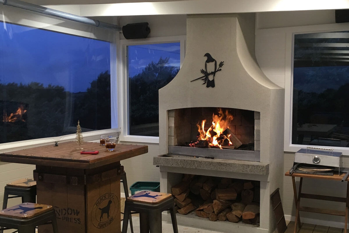 A perfect hangout place with a Flare deluxe outdoor Fire
