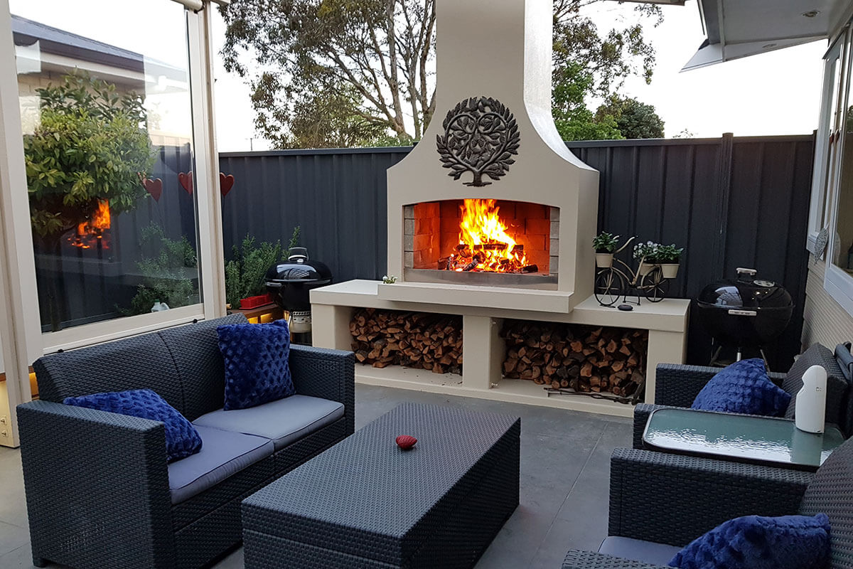 A stunning backyard place with a beautiful Flare Premier outdoor fire to hangout with friends or family