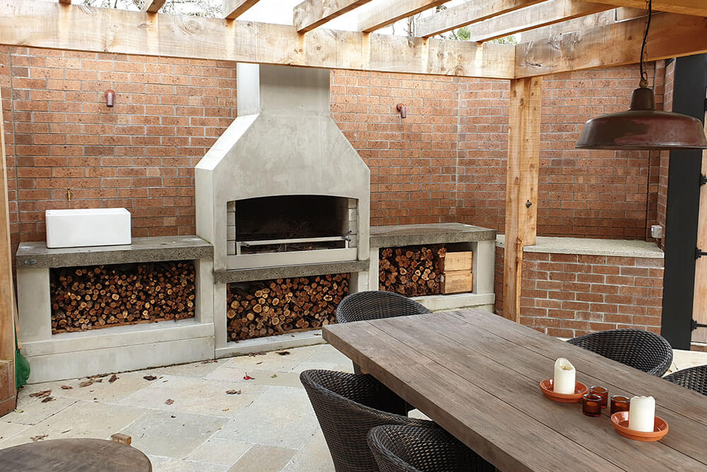 Gorgeous entertainment space with a beautiful Flare executive outdoor fire